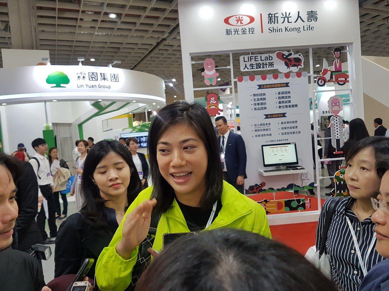 新光銀行副董事長吳欣儒參加台灣醫療科技展。記者孫中英/攝影
