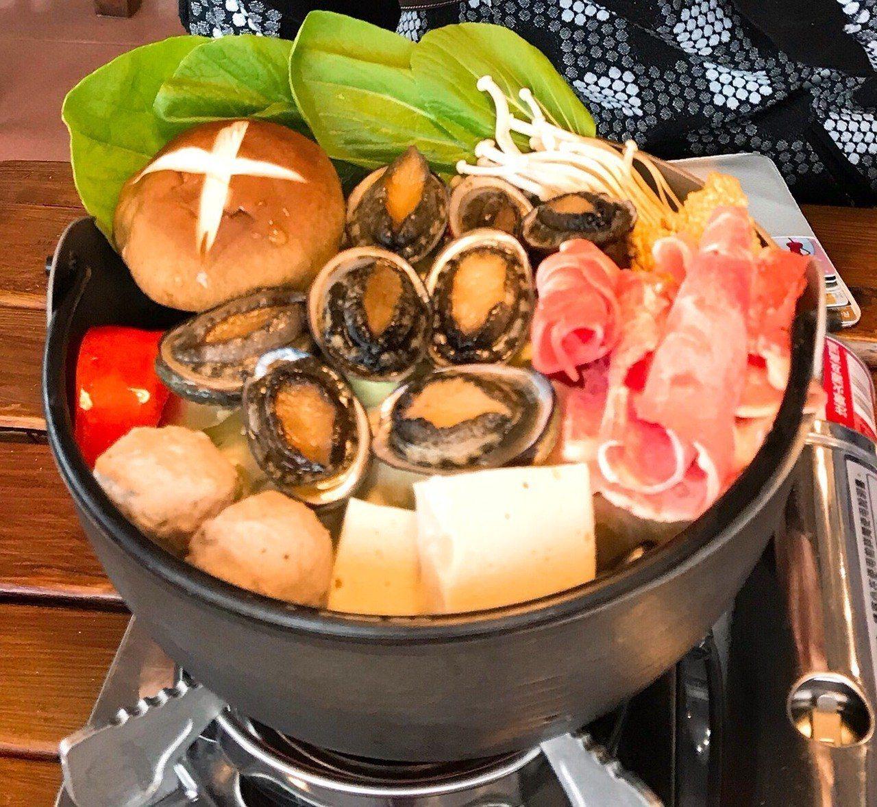 貢寮鮑火鍋。在地產的安心貢寮鮑。圖/新北市農業局提供