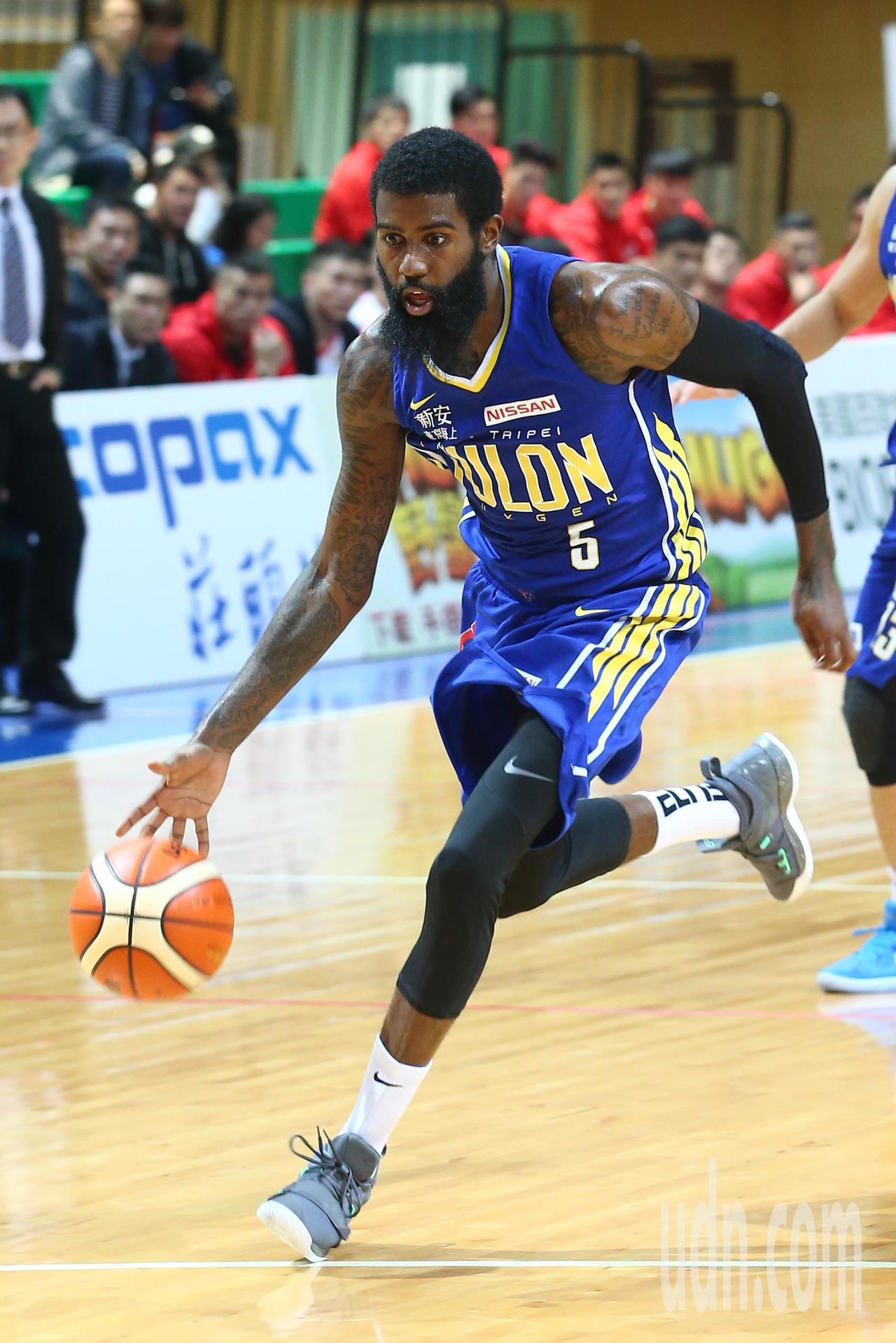 SBL超級籃球聯賽今晚在天母開打,洋將Terry Thomas拿下本季新高37分...