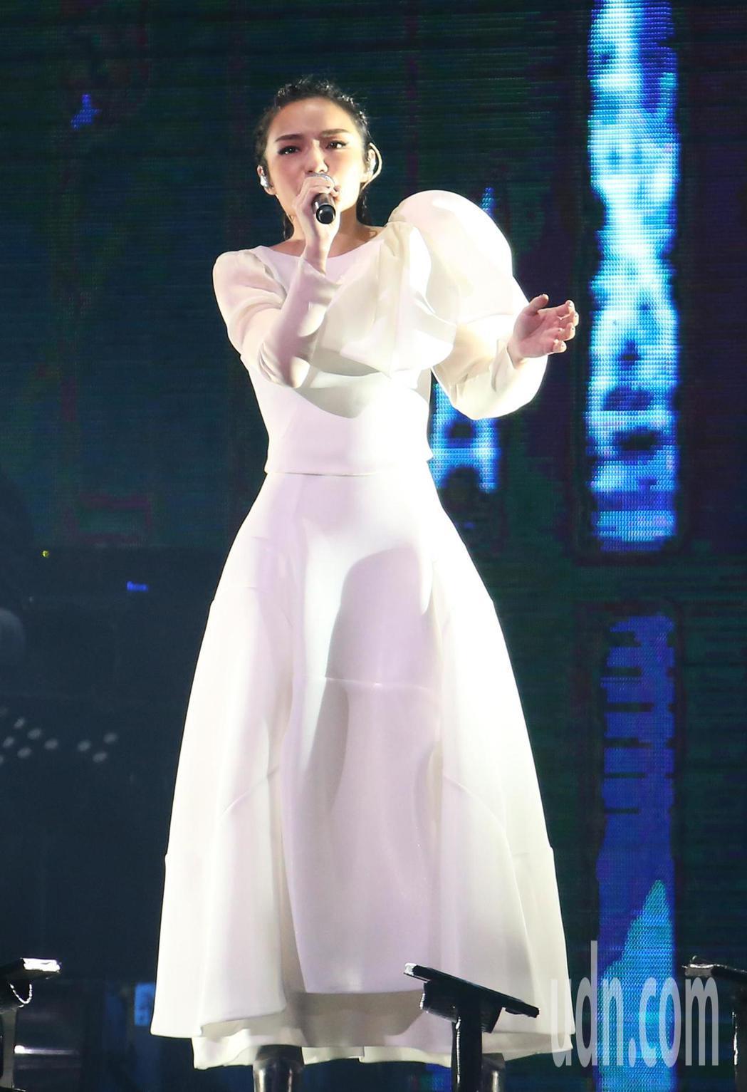 徐佳瑩「是日救星」旗艦返航版演唱會晚間在小巨蛋登場。記者林澔一/攝影