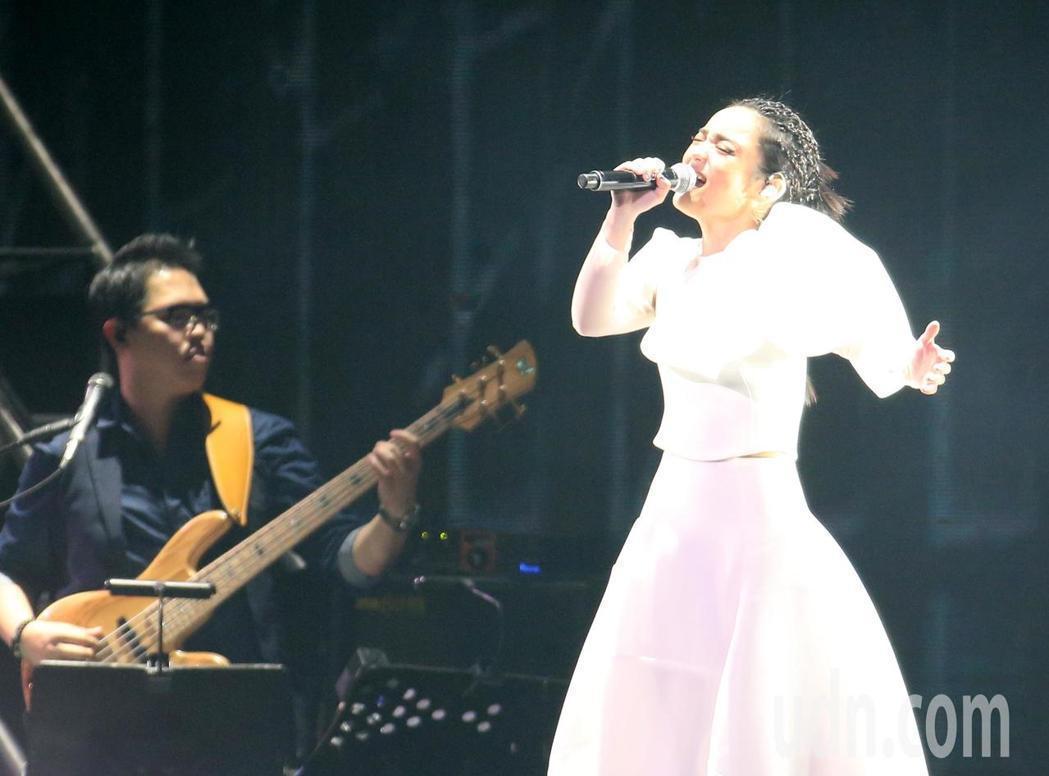 徐佳瑩3度攻上小巨蛋,舉辦「2018是日救星旗艦返航版」演唱會。記者林澔一/攝影