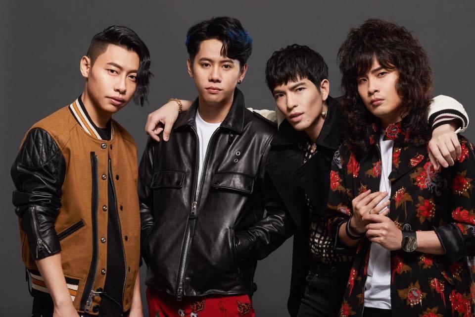 鼓手阿矩(左)宣布退出獅子合唱團。圖/摘自臉書