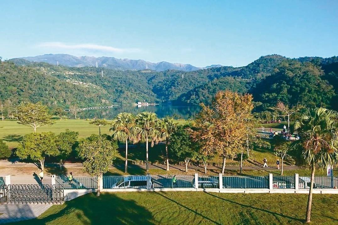 台塑集團宣布進軍飯店業,計畫在宜蘭礁溪龍潭湖畔興建頂級飯店。 記者黃淑惠/攝影