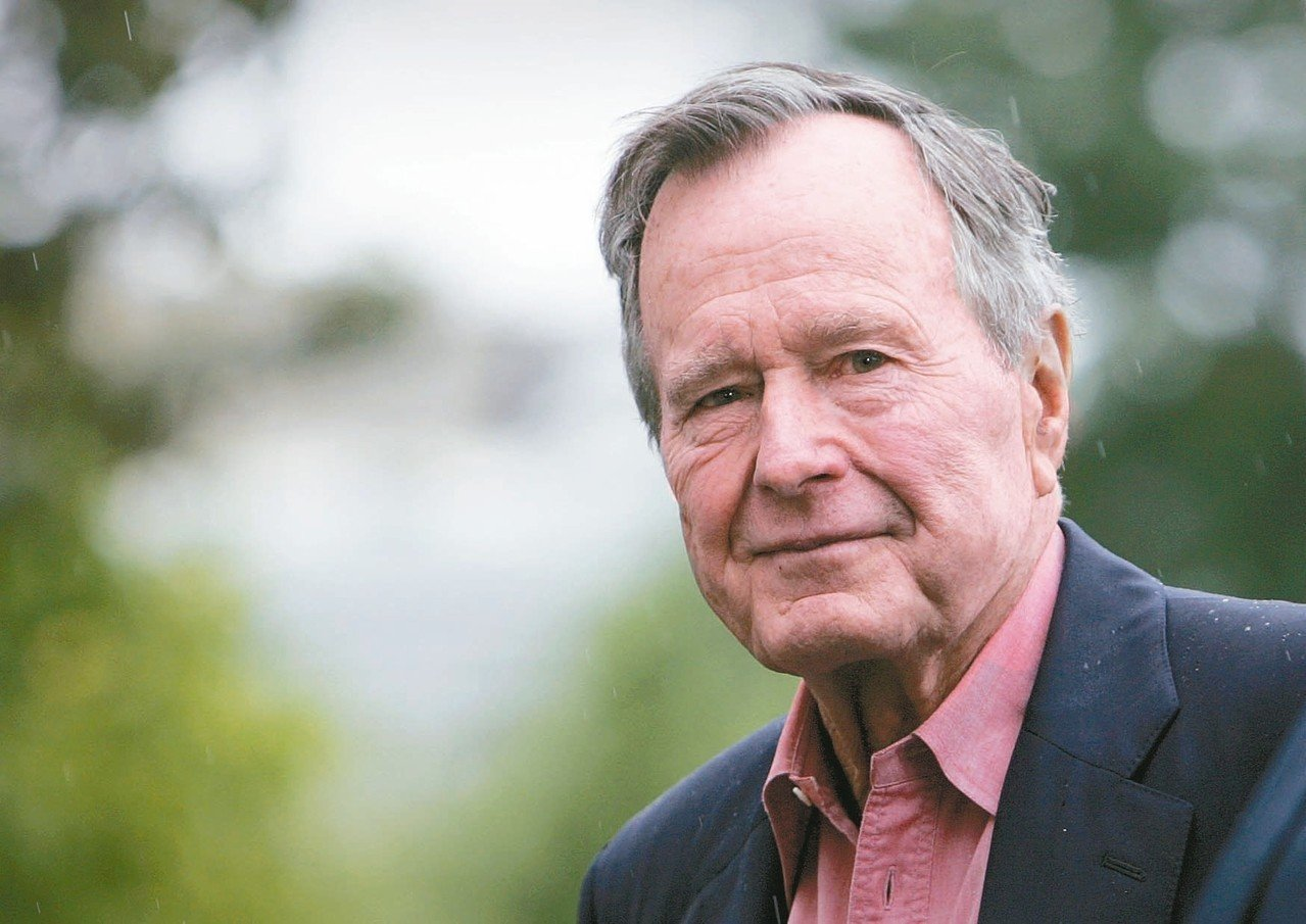 美國前總統老布希去世,享壽九十四歲。(美聯社)