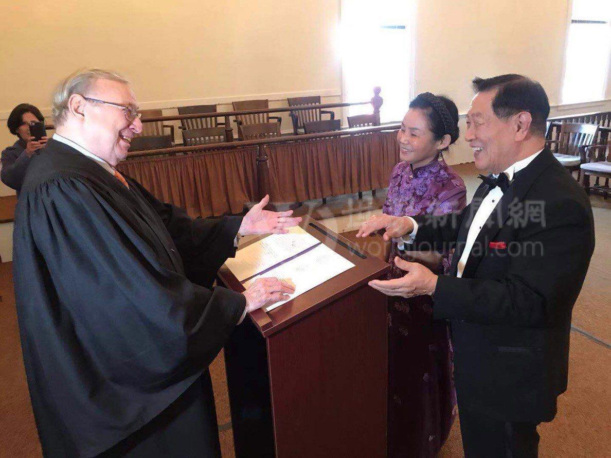 神探李昌鈺和妻子蔣霞萍,1日在康州舉行婚禮。(記者牟蘭╱攝影)