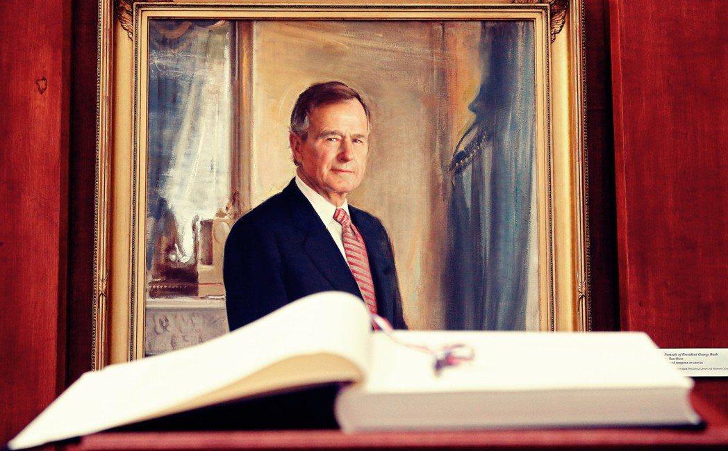 老布希走了。在他總統任內,他見證了鐵幕的瓦解、自由世界的成功;但同時卻從個人政治...
