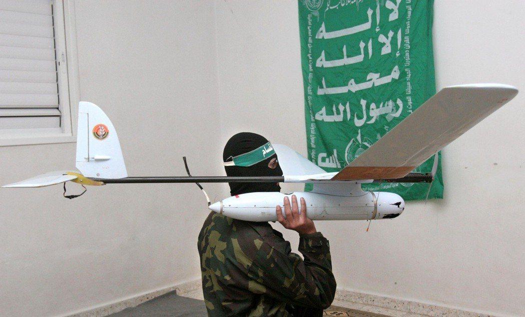 無人機是將淪為「窮人的智能炸彈」?隨著商用無人機的普及,可能會出現更多自殺性爆炸...