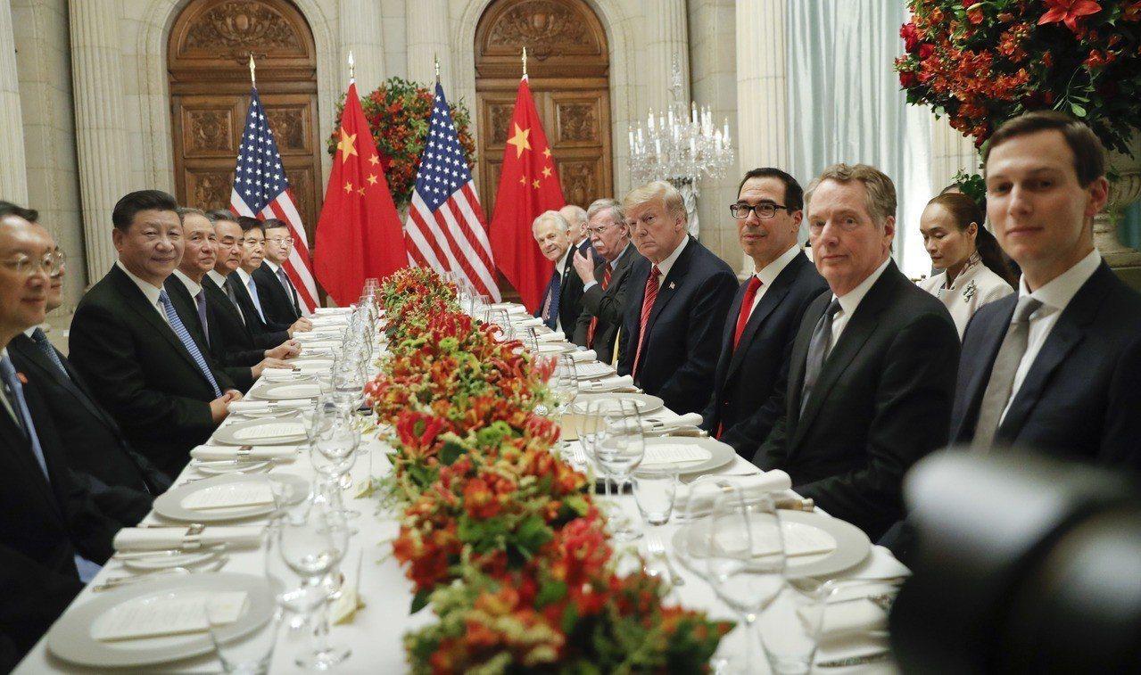 美國總統川普與中國大陸國家主席習近平在阿根廷首都布宜諾斯艾利斯當地時間12月1日...