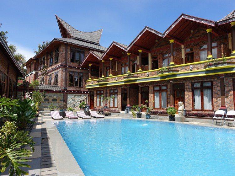 度假村有游泳池等設施。圖/記者張芳瑜攝影