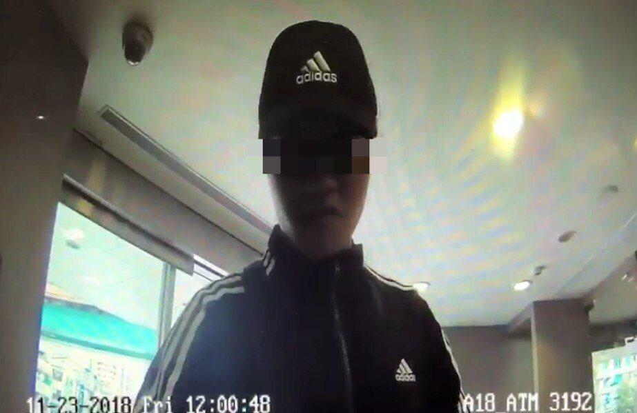 22歲陳嫌沉迷球版簽賭,缺錢花用,淪為詐騙集團車手。記者蕭雅娟/翻攝