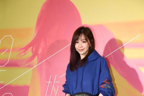 金曲歌后徐佳瑩下午在小巨蛋繼續開唱,連續兩天舉辦《2018是日救星旗艦返航版》演唱會,其中許多藝人都來捧場,包含品冠、丁噹、韋禮安、孟耿如皆出席演唱會。