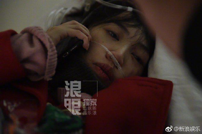 馬蓉爆和王寶強因孩子問題發生爭執,被打到濺血送醫。圖/摘自新浪微博