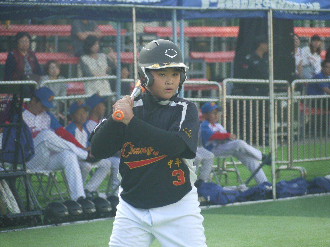李聖哲是青棒王牌投手李晨薰之弟。記者吳敏欣/攝影