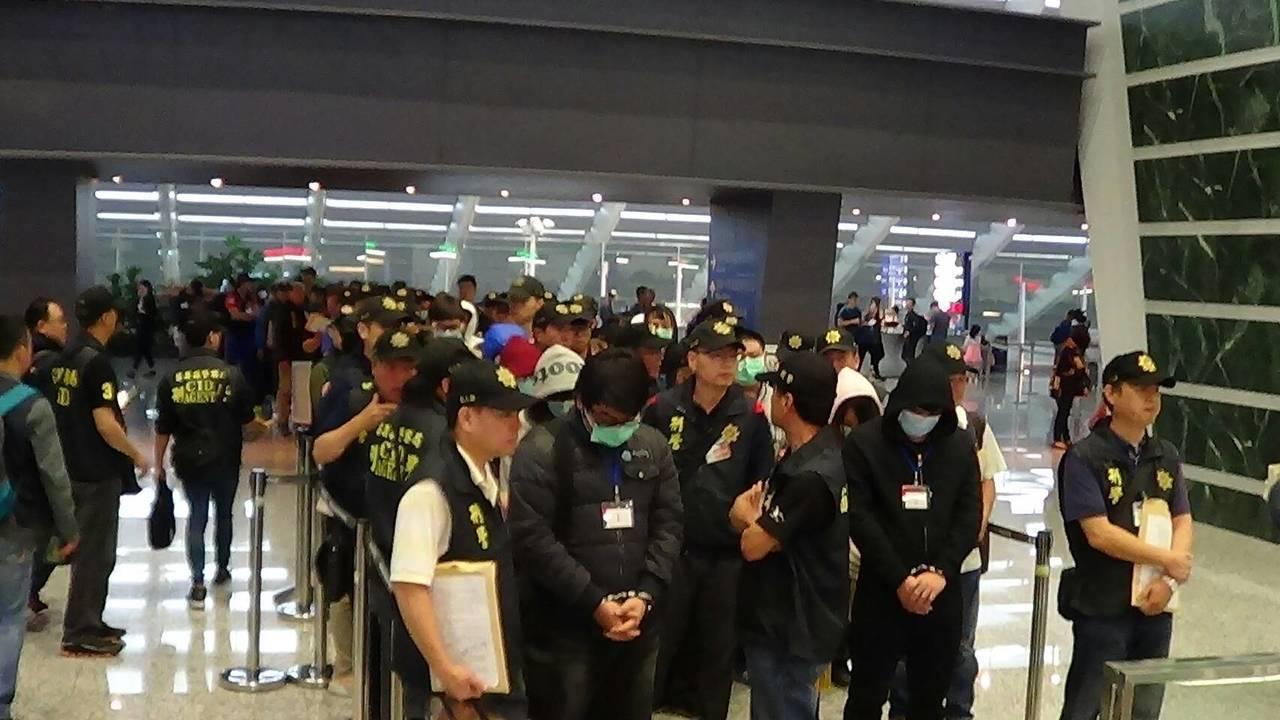 台灣人在歐洲設機房跨國電信詐騙案,今年4月陸續遣返涉案台灣人受審。資料照片