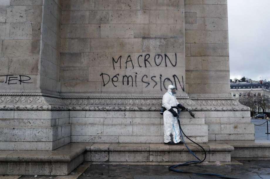 凱旋門紀念班外部一處塗鴉。美聯社