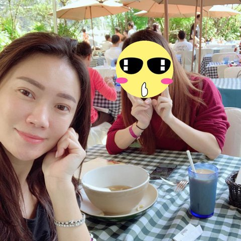 38歲張柏芝近日被港媒爆3度懷孕,並在上月30日已祕密出院,依照推算,昨天是她產後第7天,卻被她的香港作家友人Bonnie捕獲,還自拍上傳IG,這也是張柏芝被傳出生產後的首次露面。Bonnie在IG...