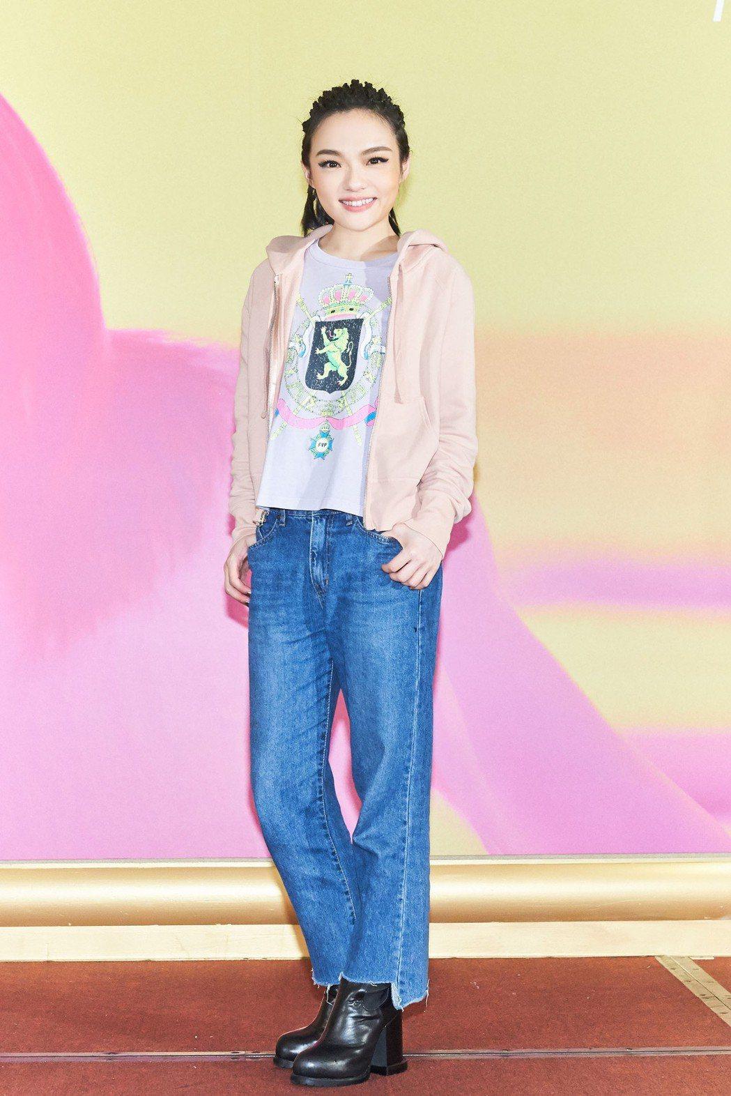 徐佳瑩完成第3回的小巨蛋巡演,開心慶功。圖/亞神音樂提供