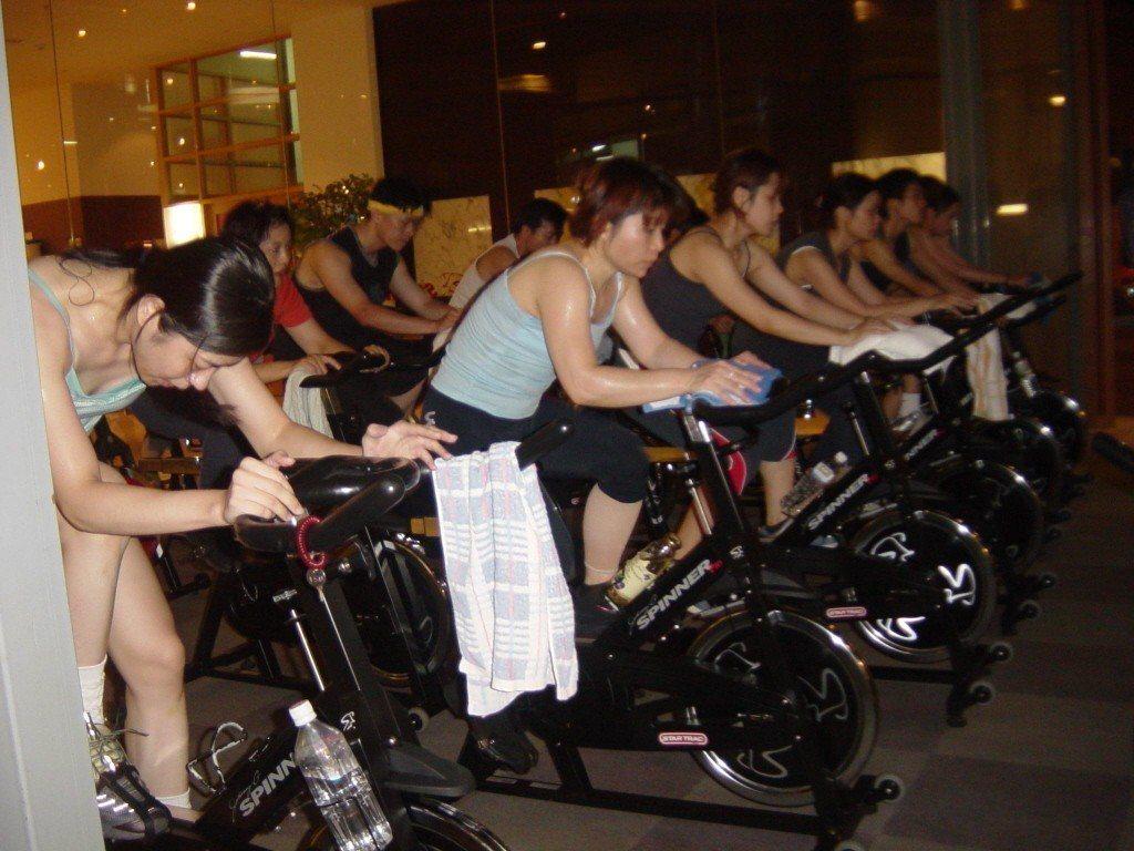 飛輪有氧是強力運動,各健身中心必備,此非新聞當事人。記者金武鳳/攝影
