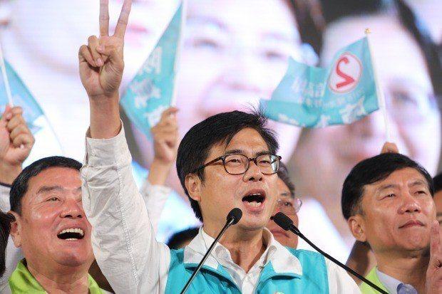 韓國瑜和陳其邁在高雄這一戰,幾乎都未曾對對方口出惡言,很多評論者都說兩人立下民主...