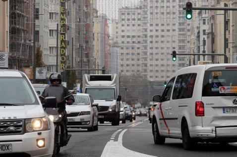 馬德里反空汙大作戰,非環保車禁入城。圖/歐新社