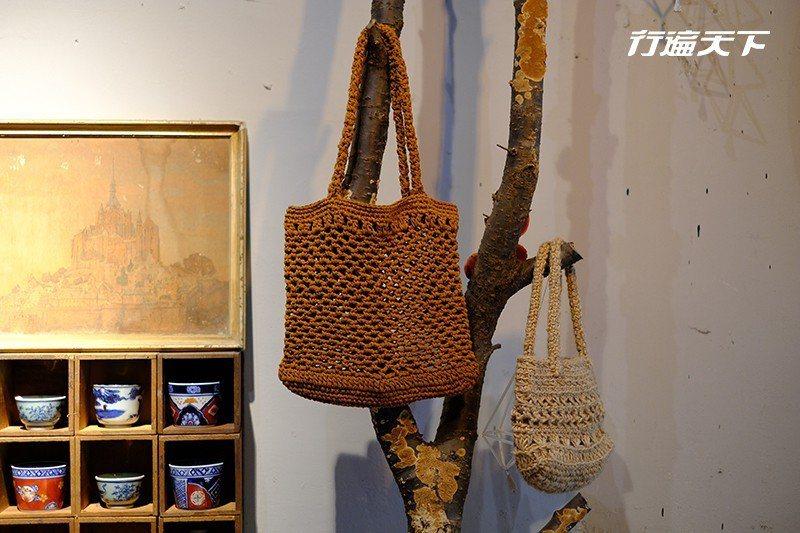 實用有型的網袋,出自威萱母親巧手。  攝影|行遍天下