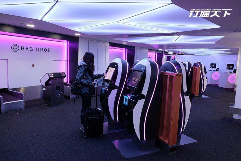 在奧克蘭機場,搭乘豪經艙以上的旅客還進入premium check in lou...