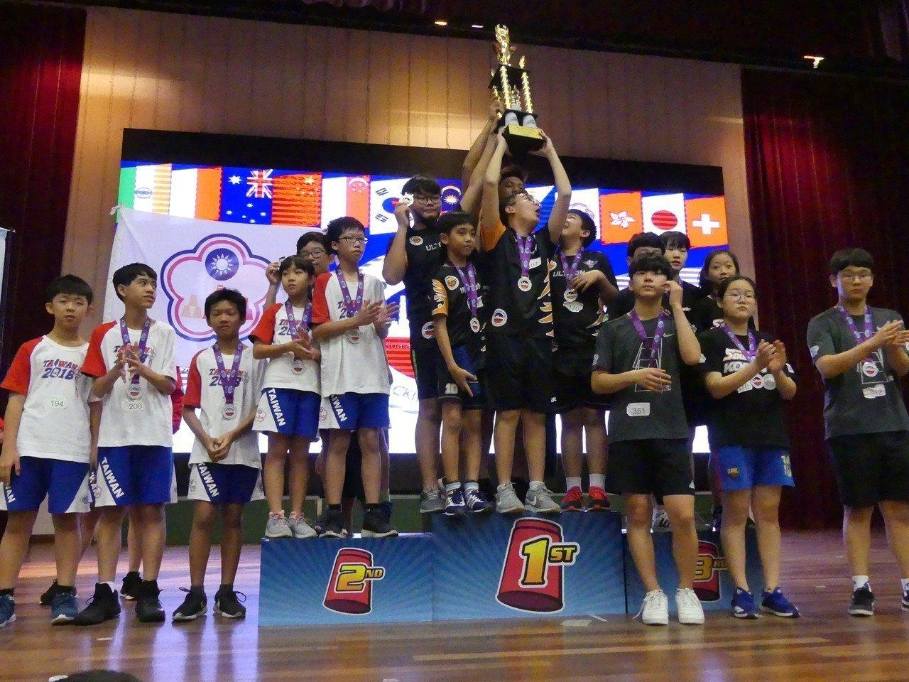 中華隊在2018亞錦賽的「國際大挑戰」項目屈居亞軍,冠軍是地主隊馬來西亞。圖/中...