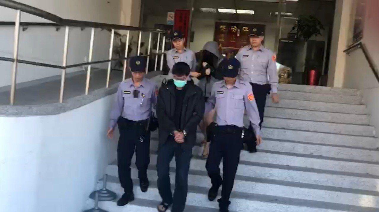 警方逮捕兩名犯嫌。記者李承穎/翻攝