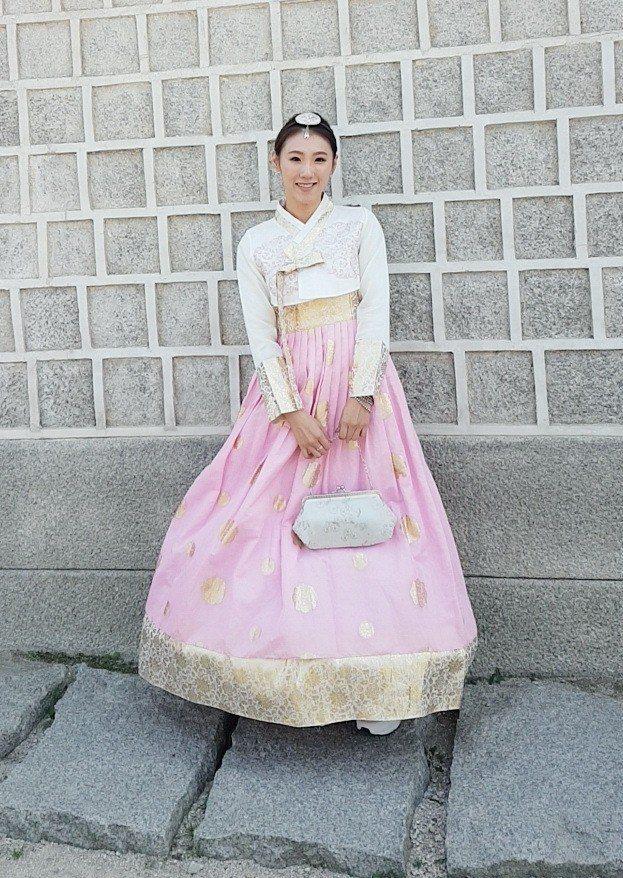 謝金晶到韓國追星。圖/豪記唱片提供