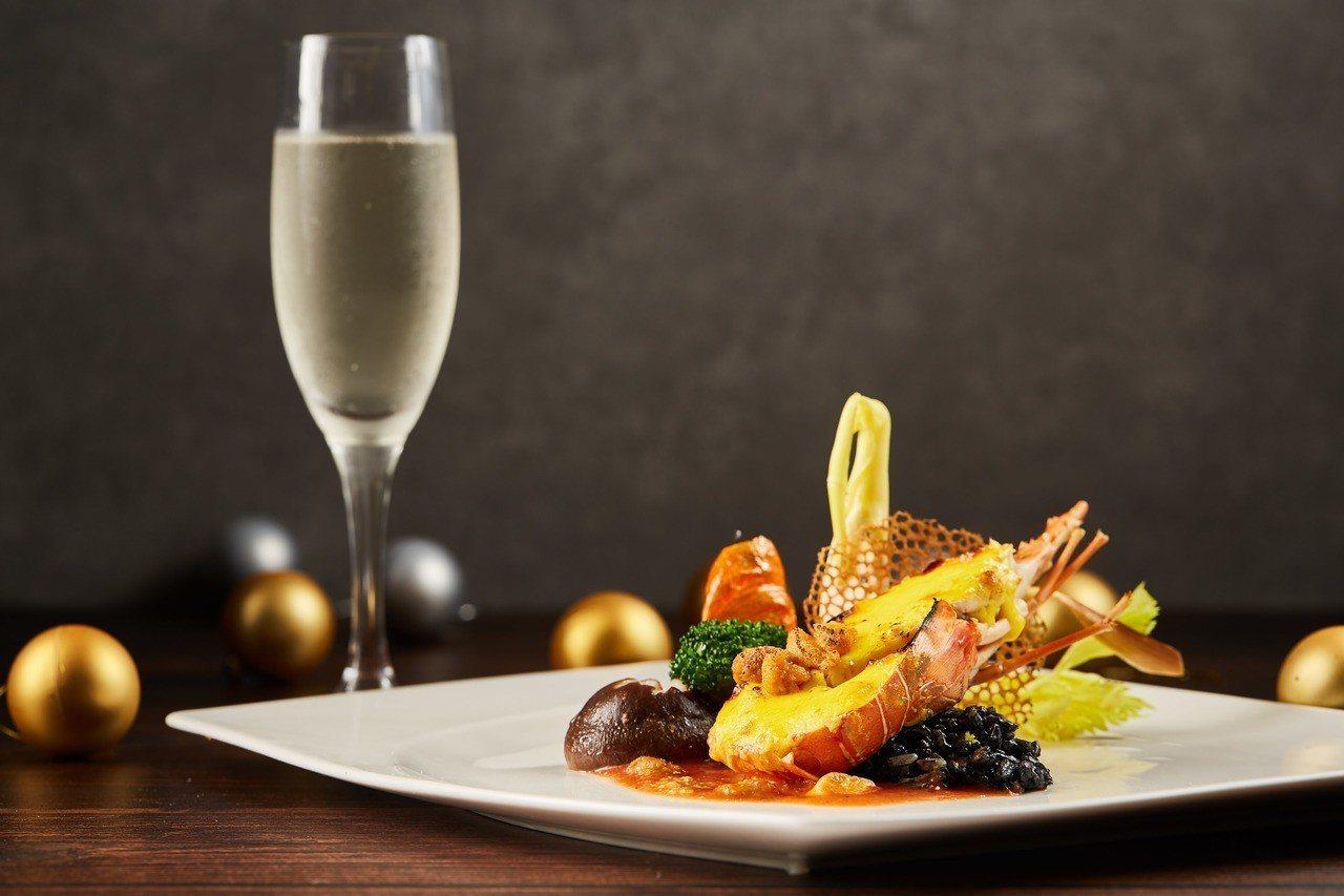 SUNNY BUFFET跨年煙火大餐位上半隻龍蝦佐法式海膽醬及一杯香檳,並限量1...