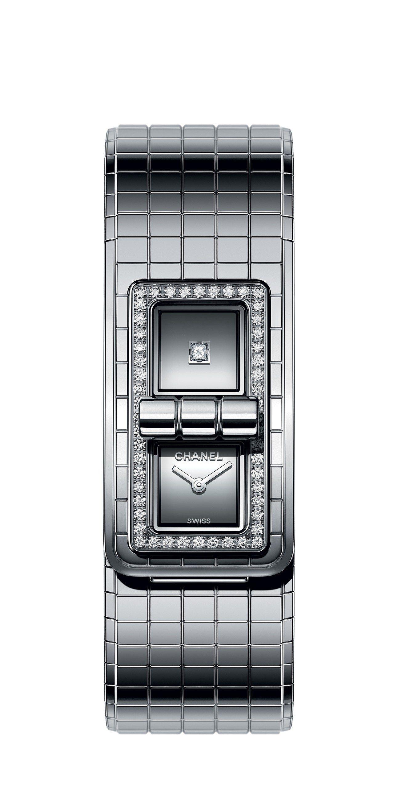 限量版的精鋼材質Code Coco腕表,搭配鑲嵌鑽石的表圈與鏡面玻璃。圖/香奈兒...
