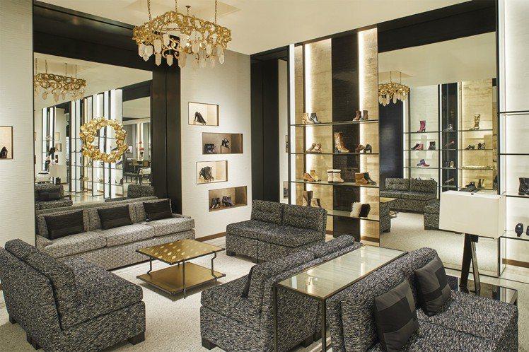 香奈兒紐約57街旗艦店占地393坪,是香奈兒在美國最大的專賣店,所販售的商品種類...