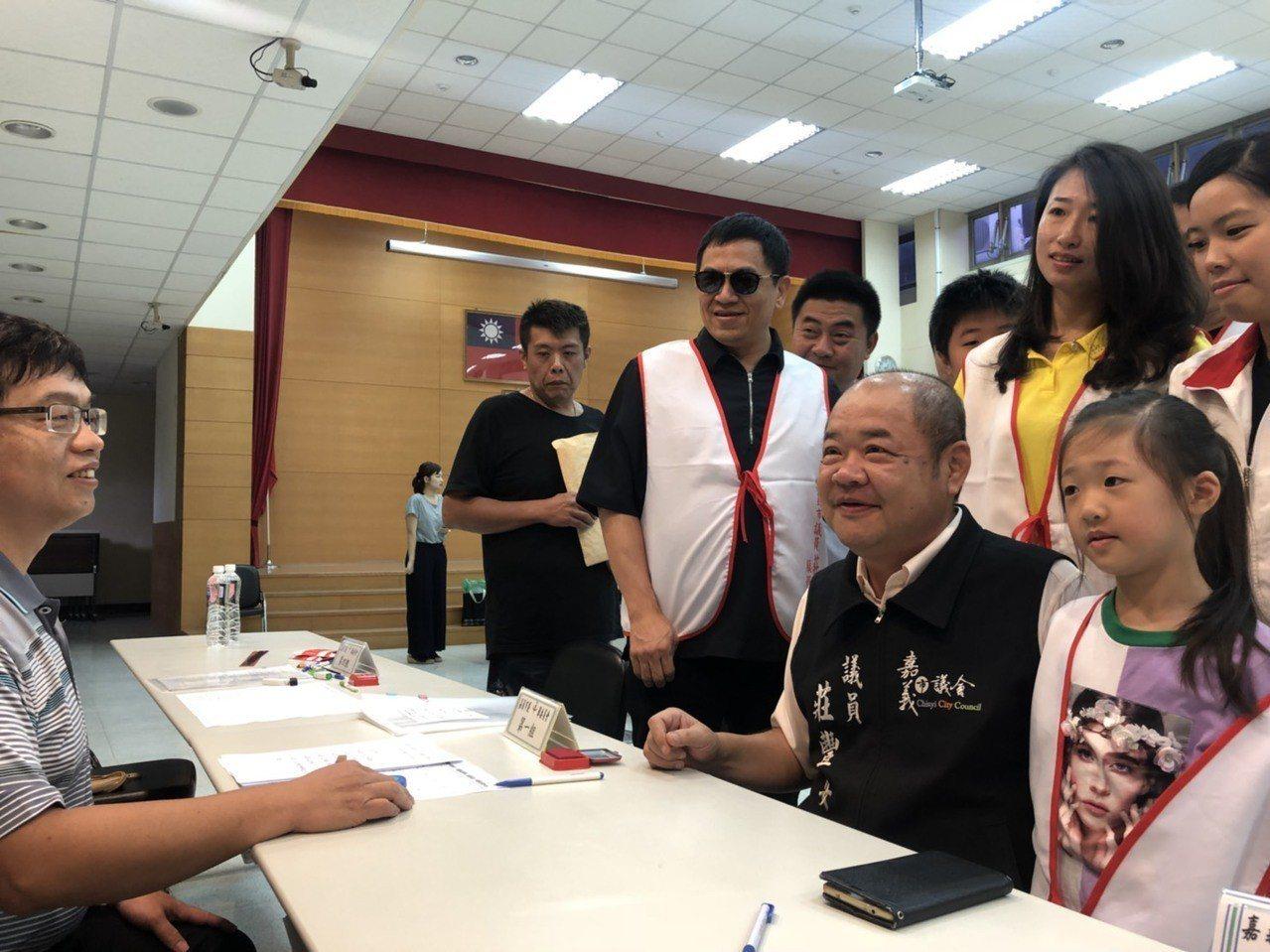 無黨籍議員莊豐安隸屬泛綠、台灣隊,是呼聲相當高的議長人選,但莊態度低調,未明確表...