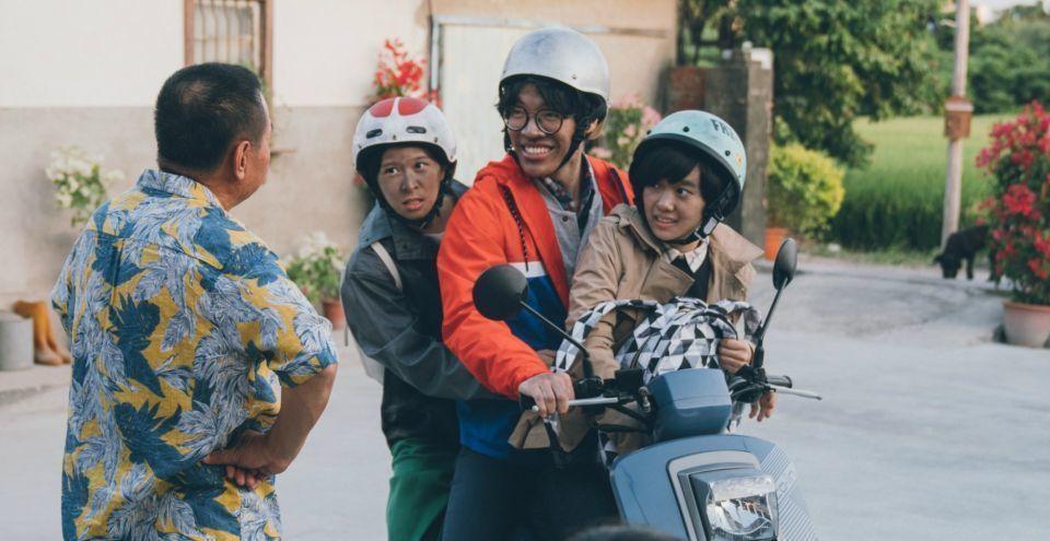 「花甲大人轉男孩」在春節檔上映,搶攻家庭市場,同樣也有破億佳績。圖/結果娛樂提供