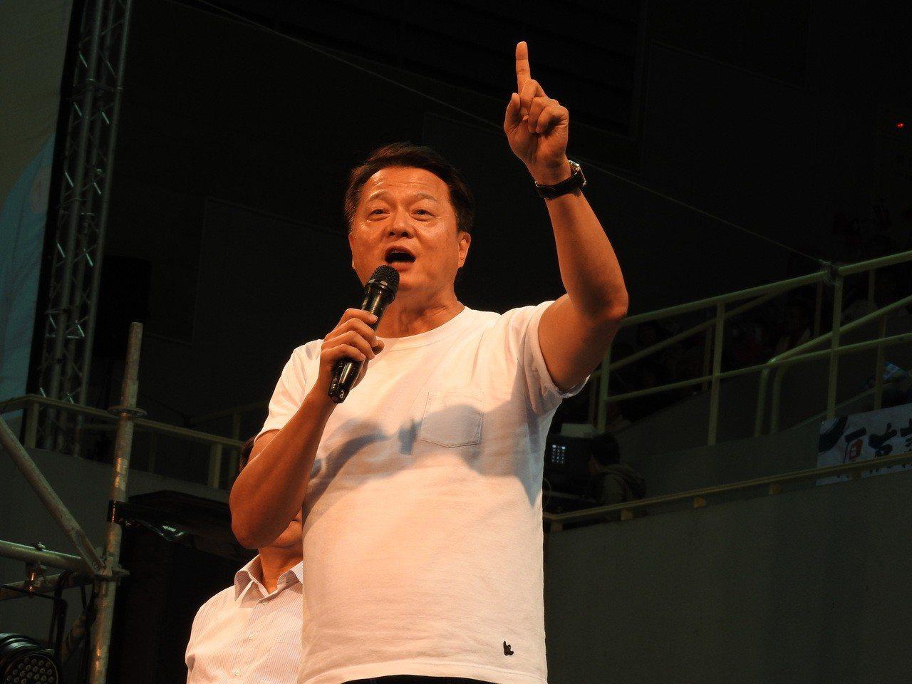 裕隆集團執行長嚴凱泰今天病逝,前台北縣長周錫瑋也在臉書貼文表達不捨,表示嚴凱泰是...
