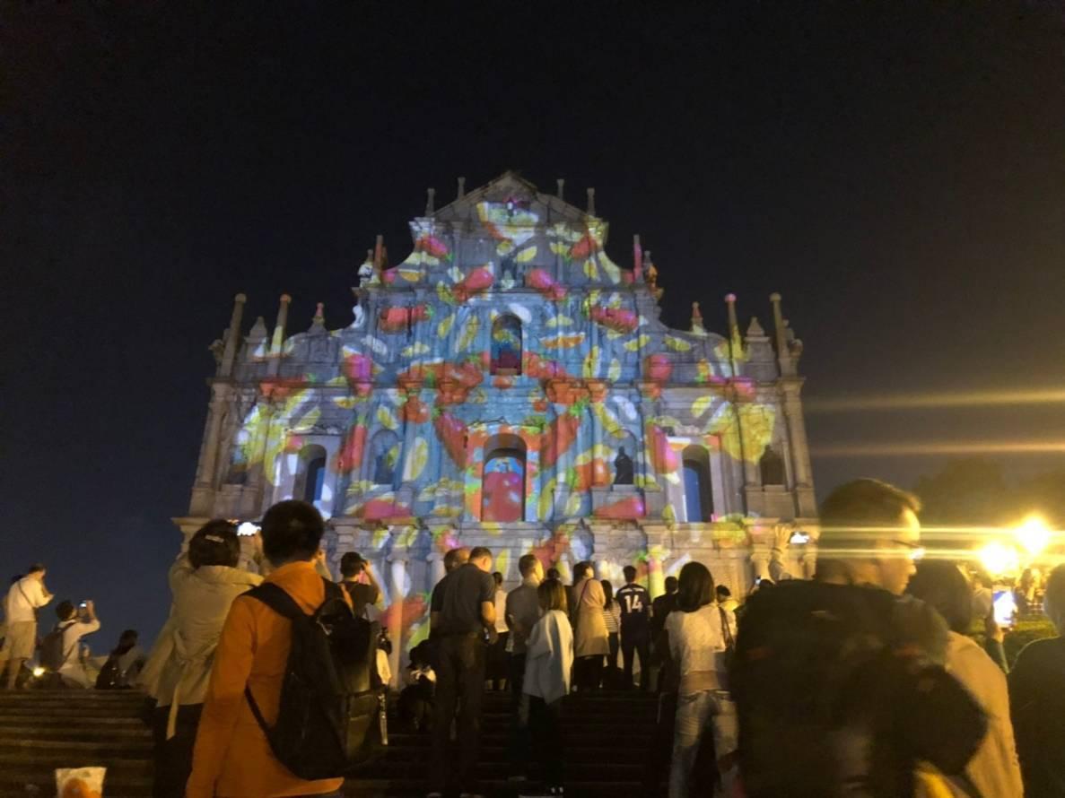 大三巴的光雕表演,乃是澳門光影節的一大重點。圖/民眾提供