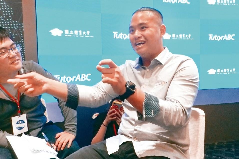 旅美投手胡智為(右)面對明年新球季,強調身體健康是最大重點。 聯合報系資料照