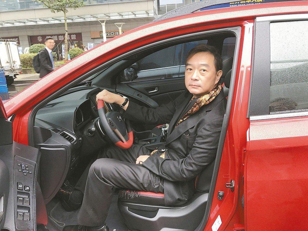 嚴凱泰去年底在台北車展公開露面。 圖/聯合報系資料照片
