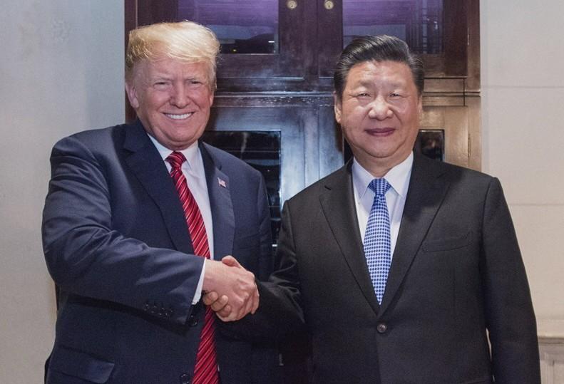 大陸國家主席習近平(右)和美國總統川普在G20「川習會」,達成貿易戰停火90天協...