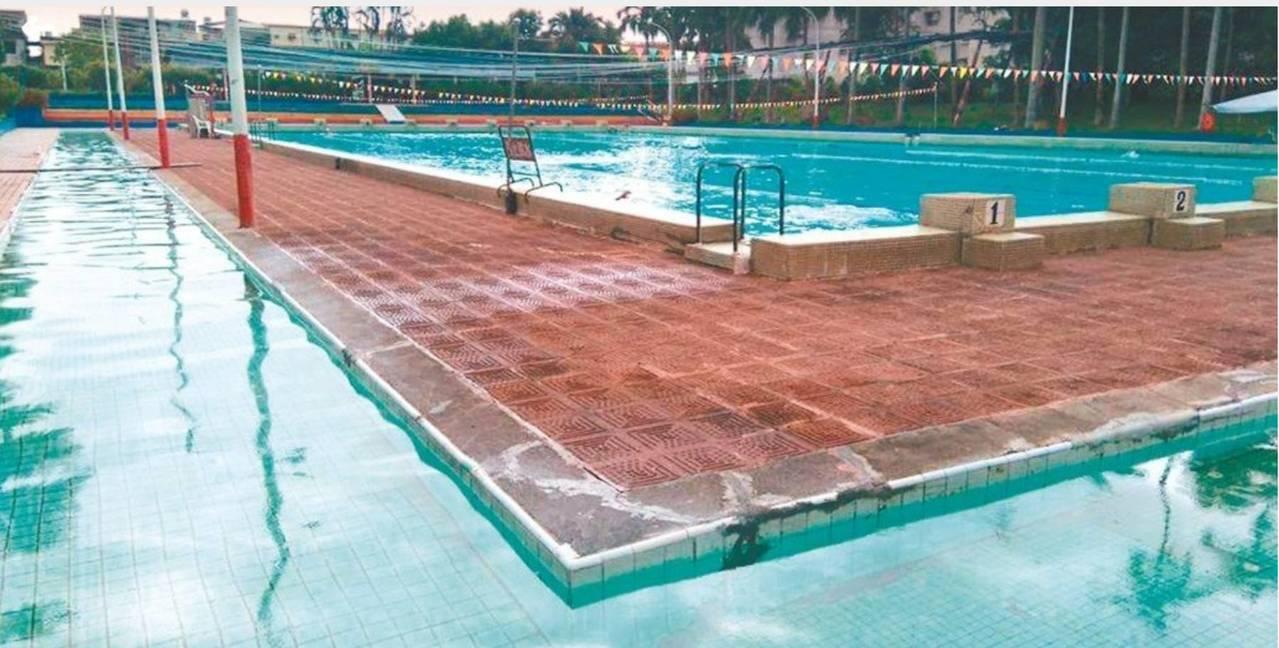 水質清澈的宜蘭龍潭游泳池將開放給民眾使用,不再限制會員。 記者戴永華/攝影