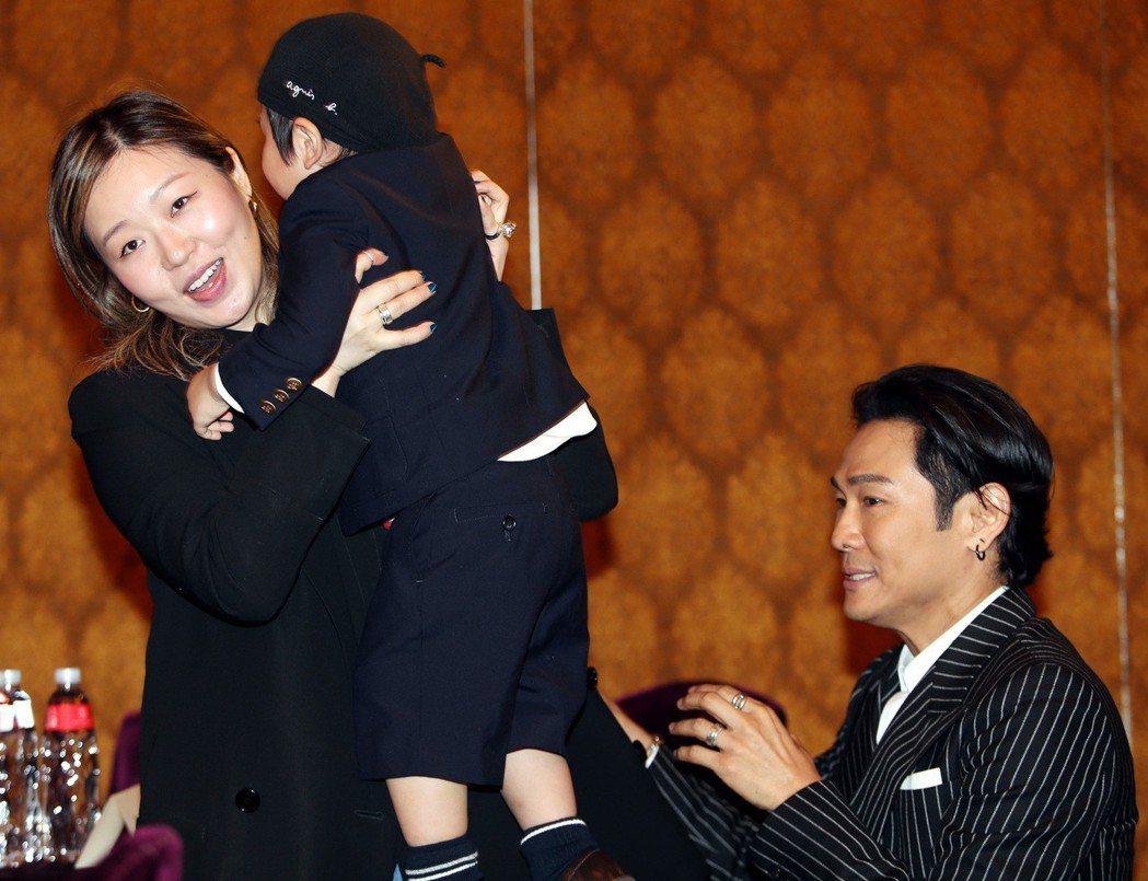 杜德偉此次帶著太太與兒子來台,工作也順便旅遊。記者侯永全/攝影