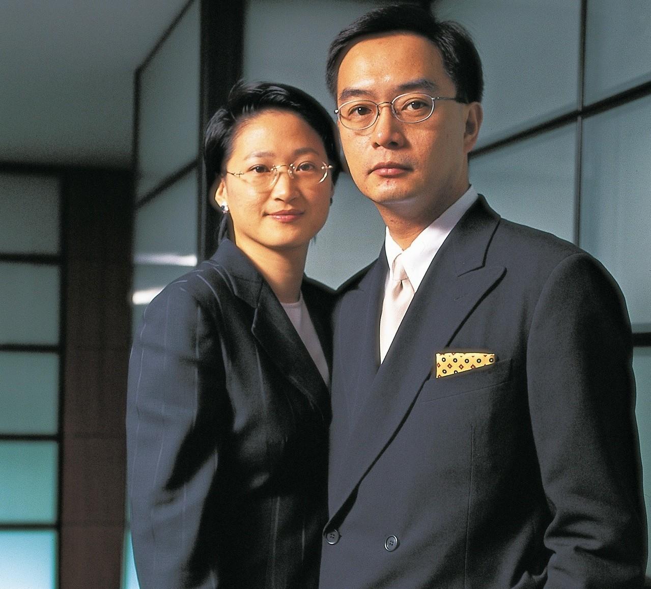 嚴凱泰逝世後品牌夢將由太太陳莉蓮(左)及專業經營團隊來接手圓夢。公司提供