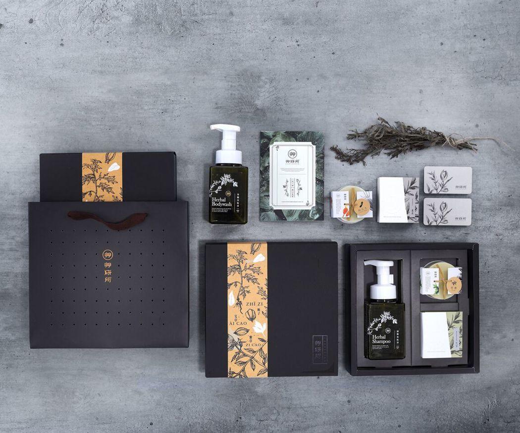 艸研禮盒組:草本潔淨沐浴液態皂、絲瓜水橄欖皂、潔淨好皂,是送禮或自用的最佳潔淨用...