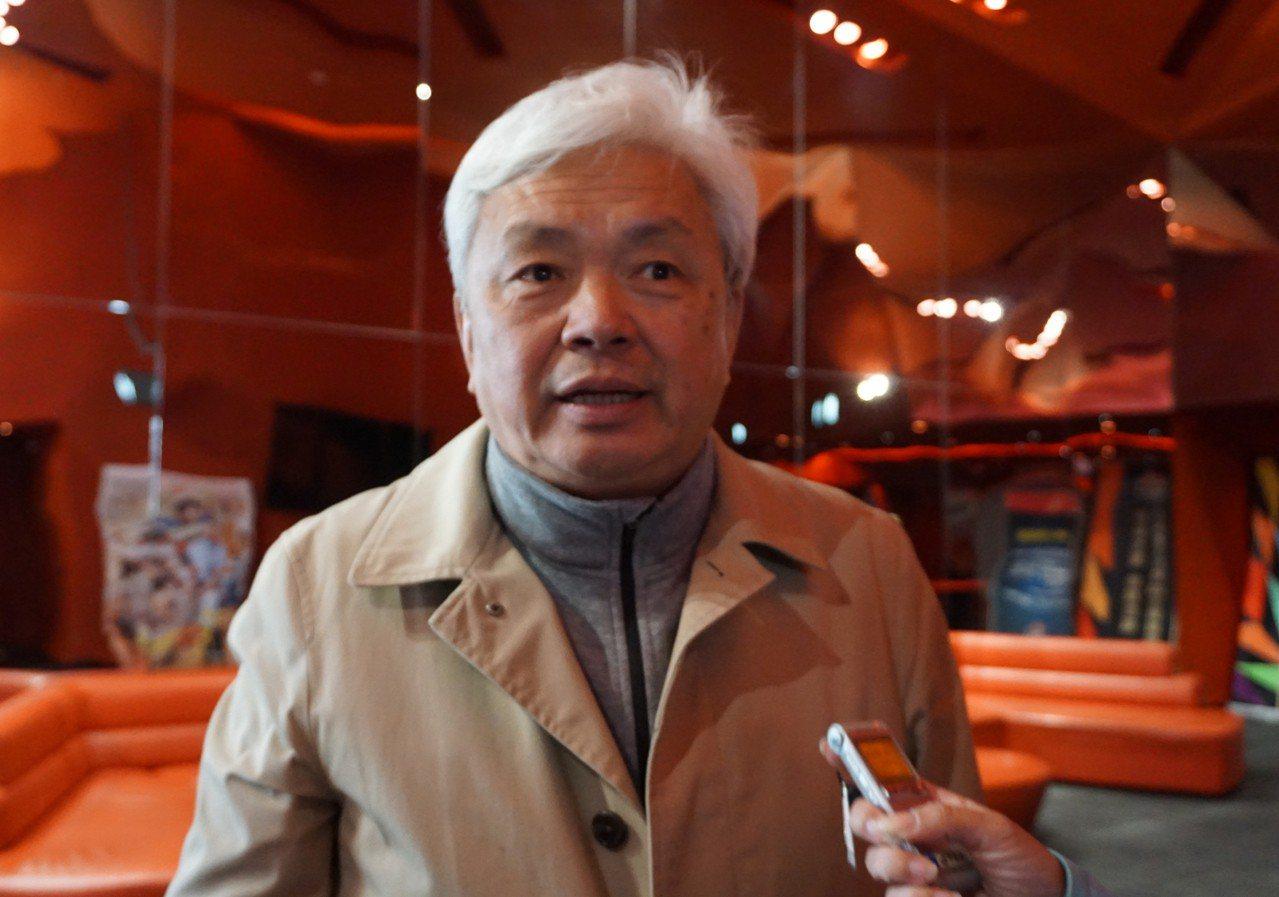 陳滄江在縣議會召開記者會,宣布投入立委補選。(資料照片) 中央社
