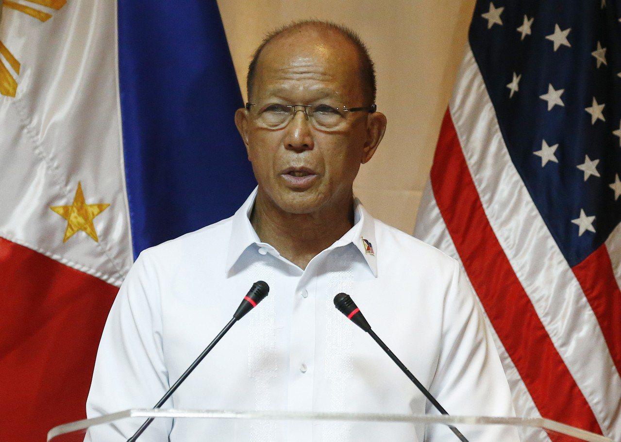 菲律賓國防部長羅倫沙納(圖)表示,中國在南海3座人工島礁安裝氣象雷達,對菲國安全...
