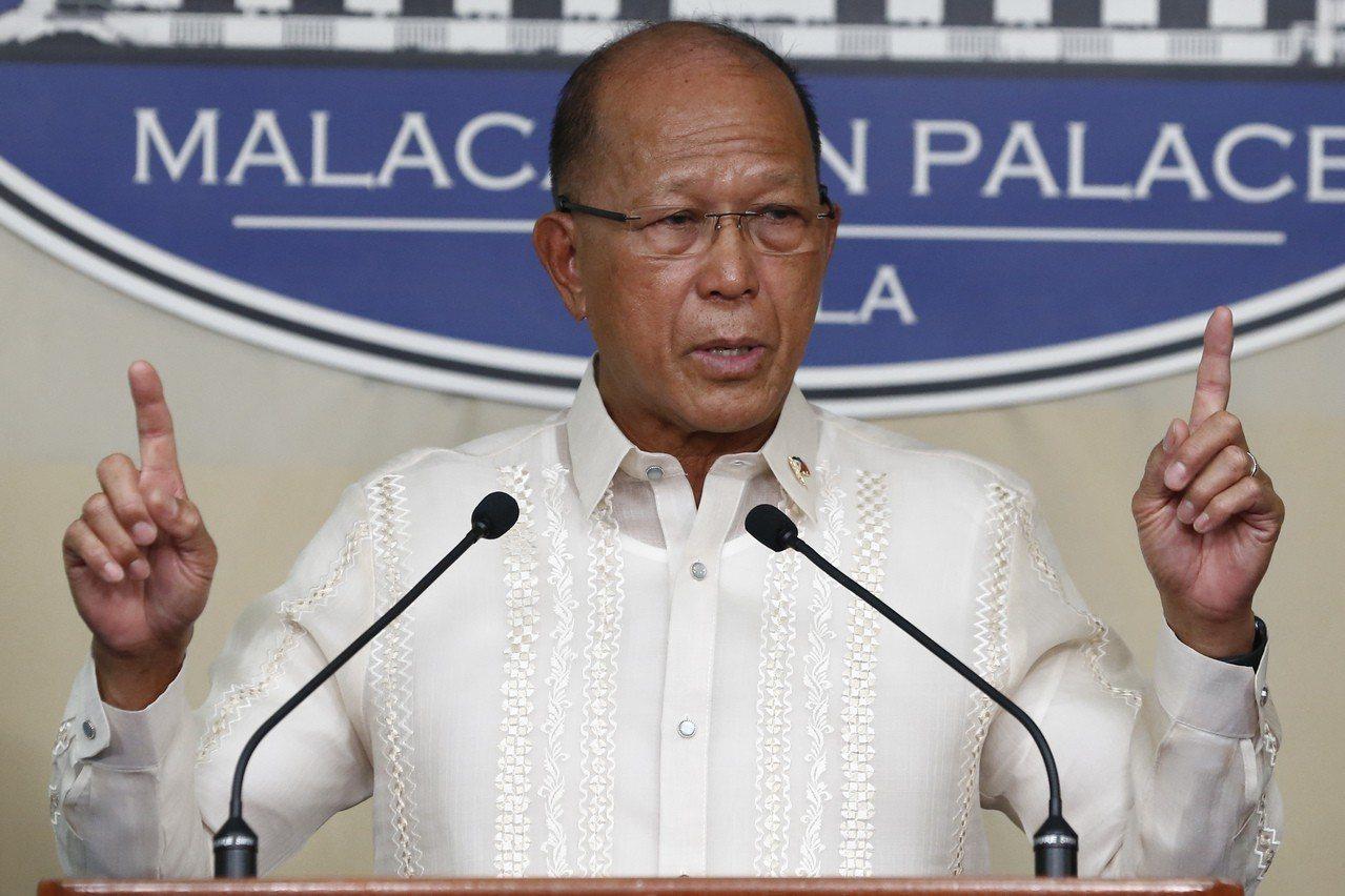 菲律賓國防部長羅倫沙納。 歐新社