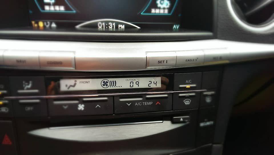 網友PO出自用的納智捷L7車款,表示L7在那時的內裝真是國產車的經典。原PO網友...