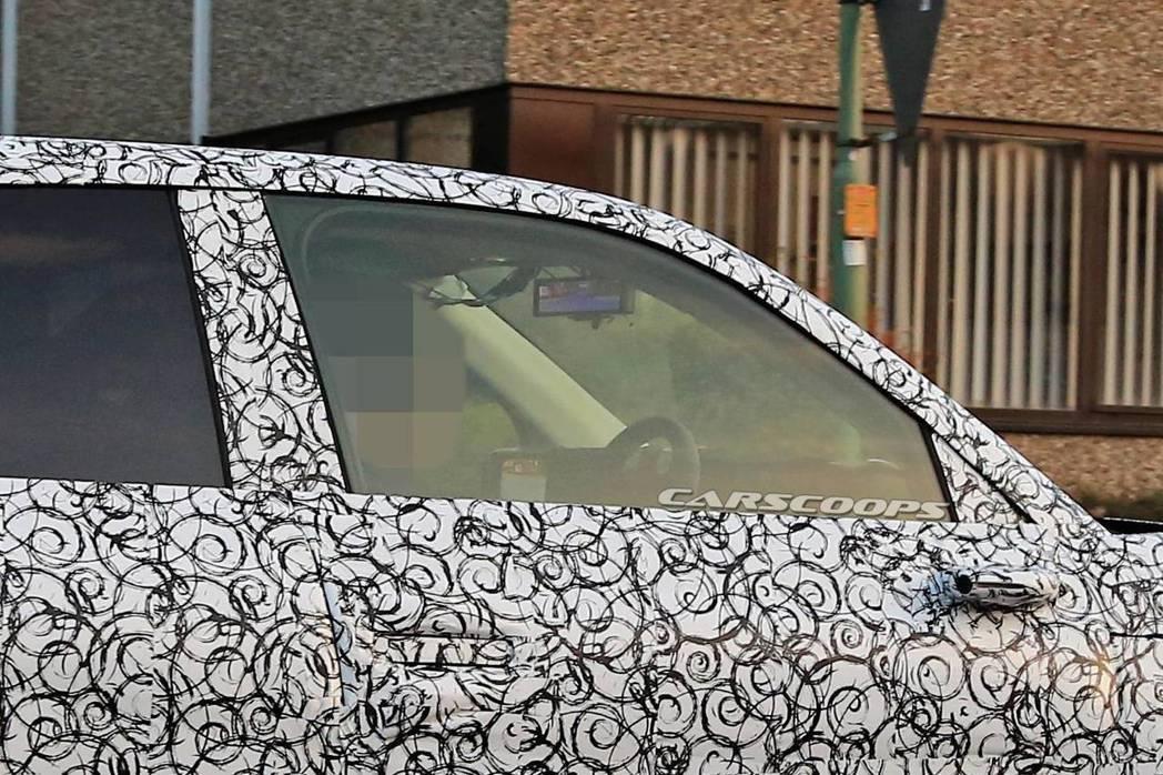 量產版Honda Urban EV推測使用數位後視鏡與隱藏式車門把手。 摘自Ca...