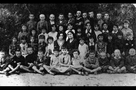1941年的「耶德瓦布內猶太大屠殺」,最常被引用來批評〈猶太大屠殺史實糾正法案〉...