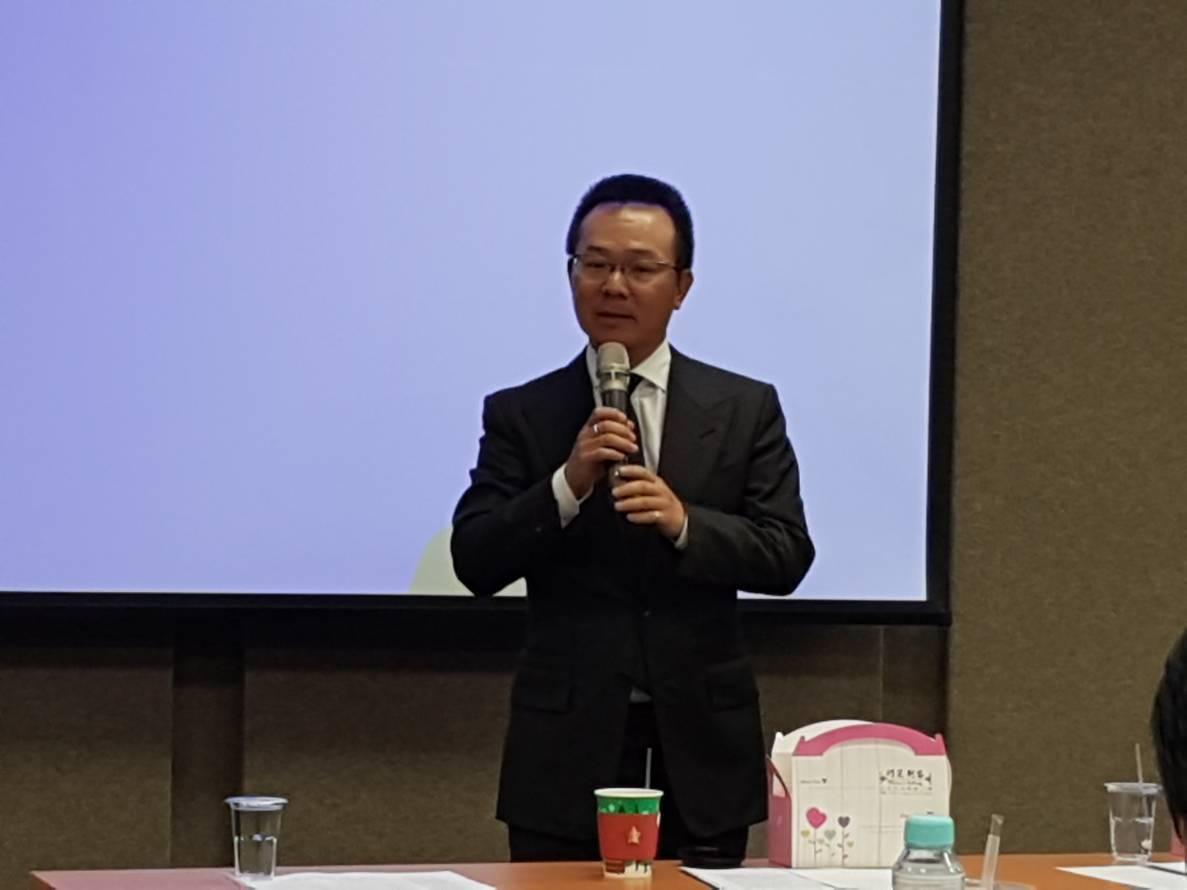 高協理事長王政松在台灣高爾夫運動觀光推廣研討會致辭。 記者王樹衡/攝影